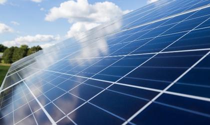 """Leilões de capacidade de rede ajudam a financiar novos projetos solares que não """"cabem"""" na rede atual"""